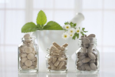 Difference Between Naturopathic and Regular Medicine